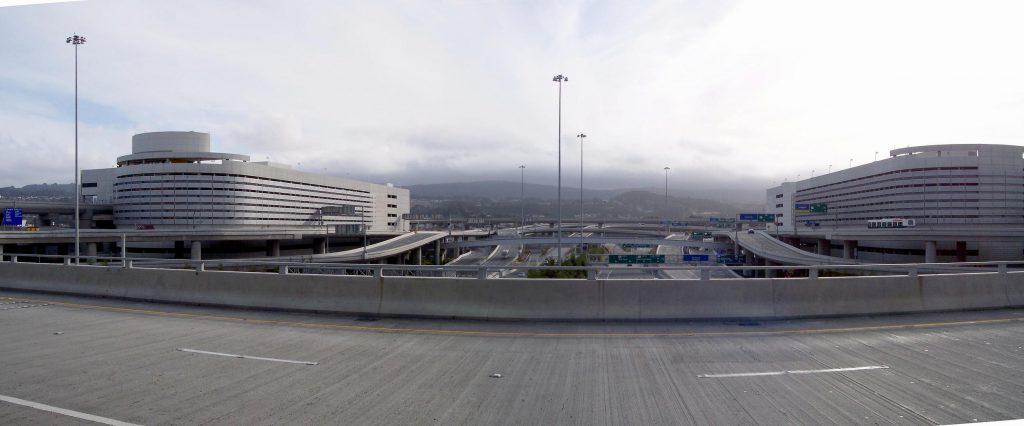 Panorama vor dem Terminal von San Francisco International Airport