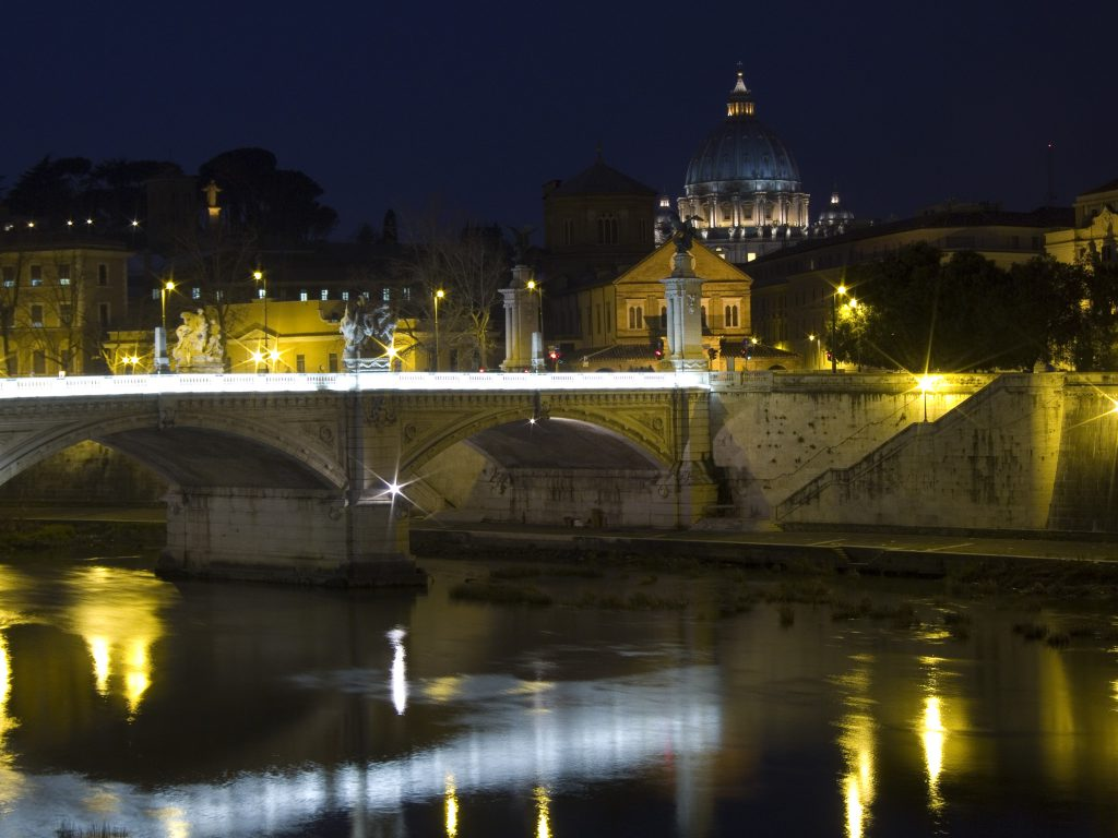 Blick über den Tiber zum Vatikan