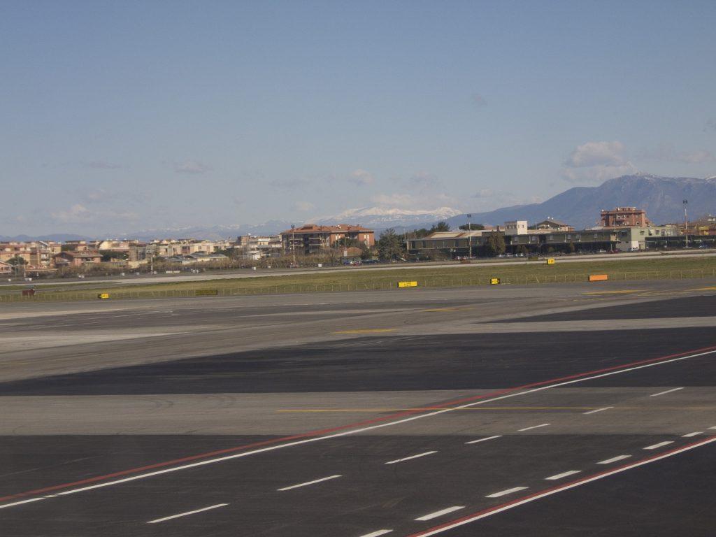 Rom Ciampino und die Berge im Hintergrund <3