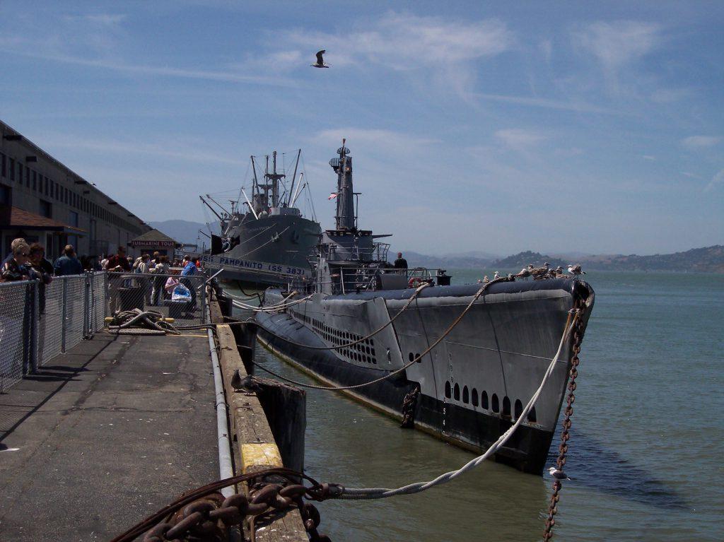 U-Boot USS Pampanito und dahinter S.S. Jeremiah O'Brien