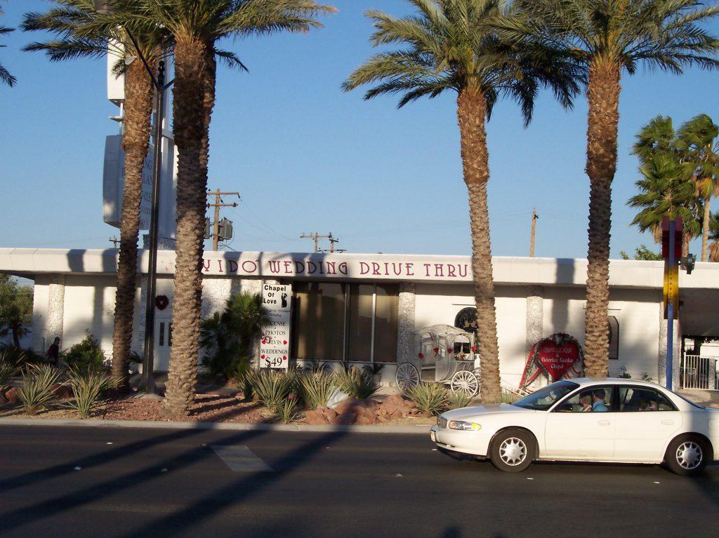 Las Vegas: Wedding Chapel Drive Thru