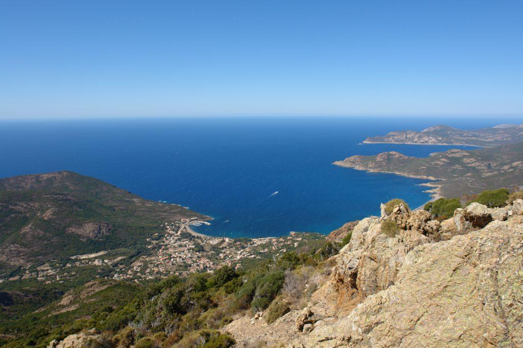 Aussicht über Galéria und das Meer