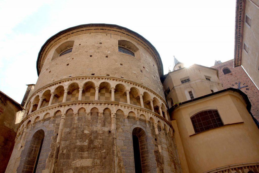 Romanische Kirche oder sowas in Albenga