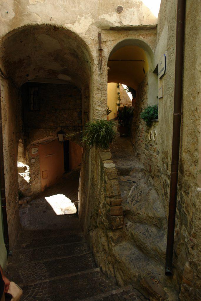 Gassen und Treppen, Cervo, Ligurien