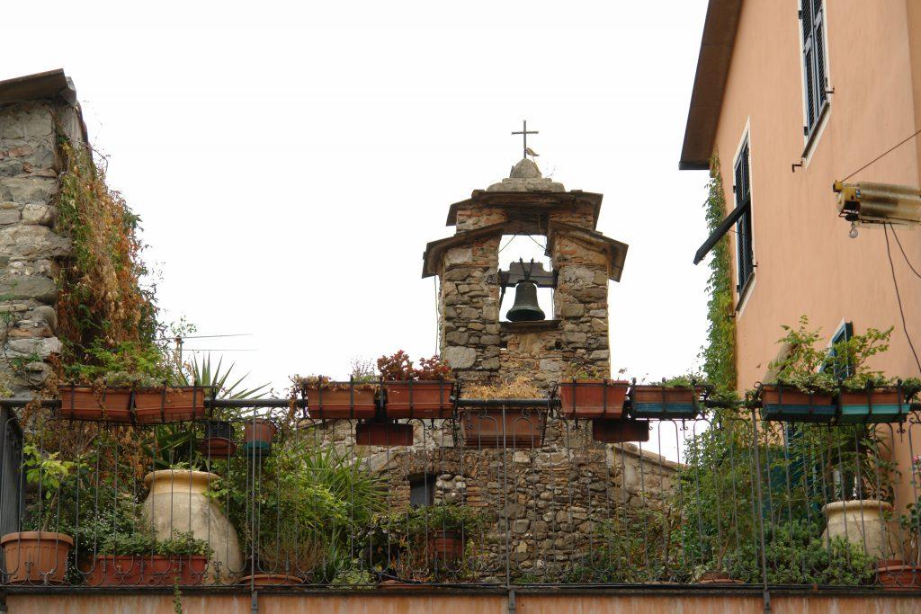 Glockentürmchen in Villanova d'Albenga