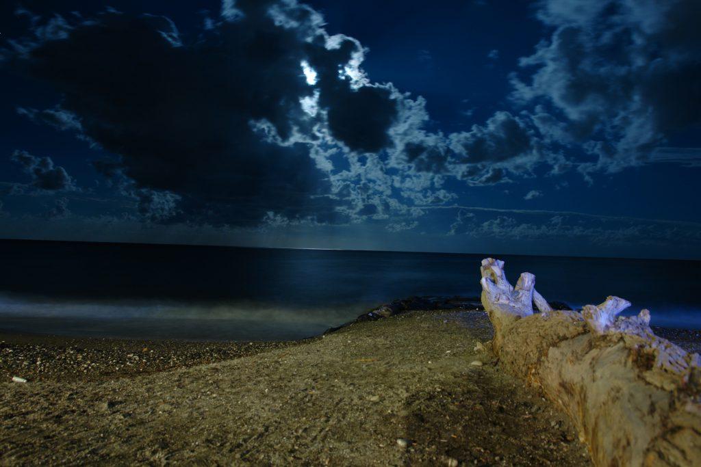 Strand von Albenga bei Nacht :D