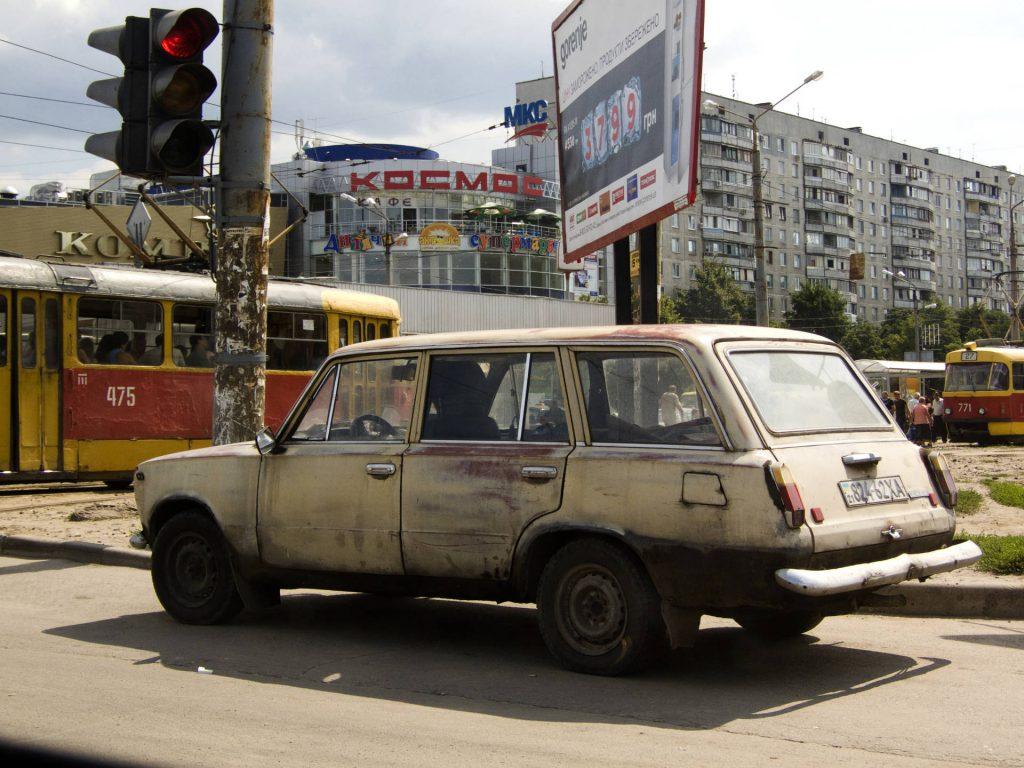 Straßenverkehr in Charkiw