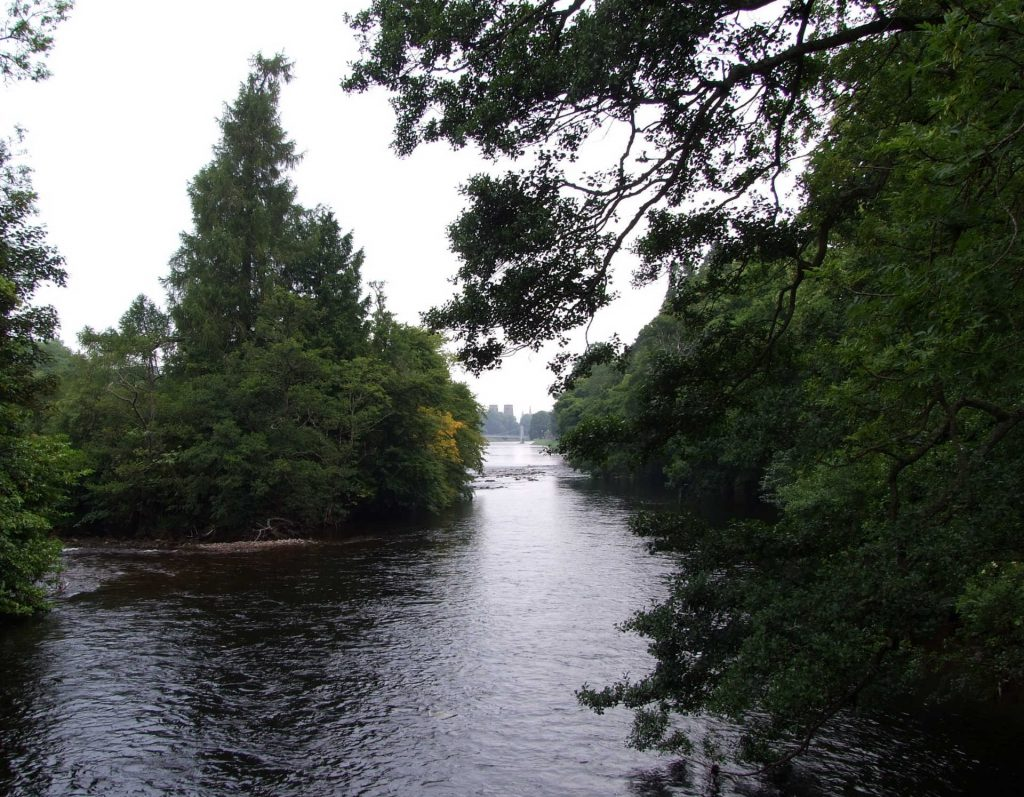 Am River Ness bei Inverness