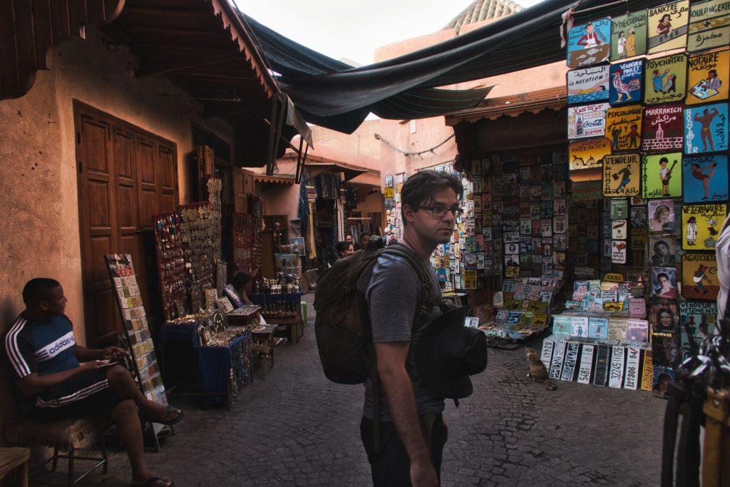 Pierre in den Souks von Marrakesch