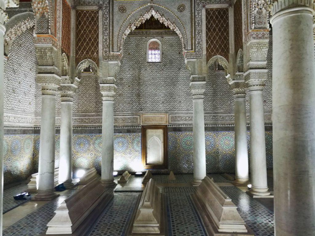 Beeindruckendes Monument für ein Grab