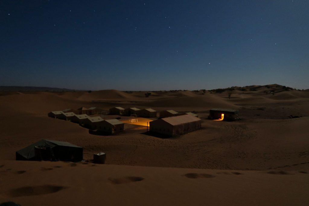 Unser Wüstencamp in der Zagora-Wüste in der Dunkelheit
