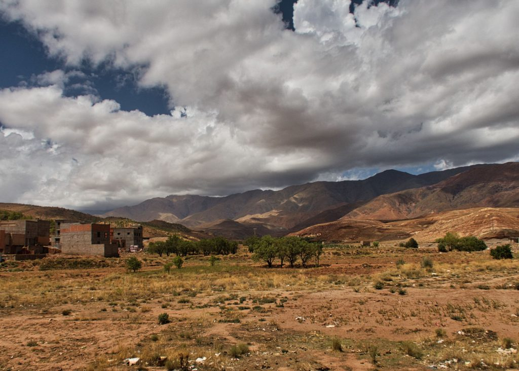 Wolkenschatten auf dem Atlasgebirge