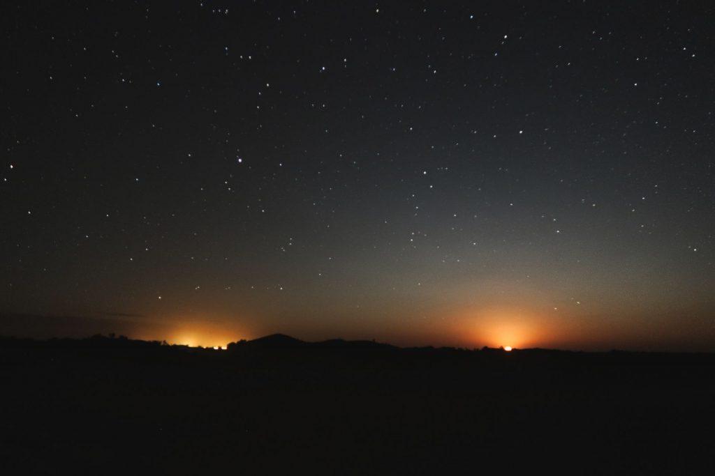 Monduntergang im Westen